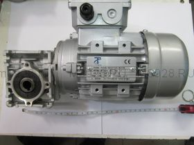 Мотор редуктор 030 47 об/м 180 Вт